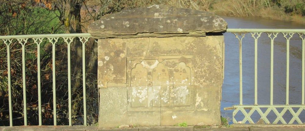Mythe Bridge cast-iron railings and stone piers