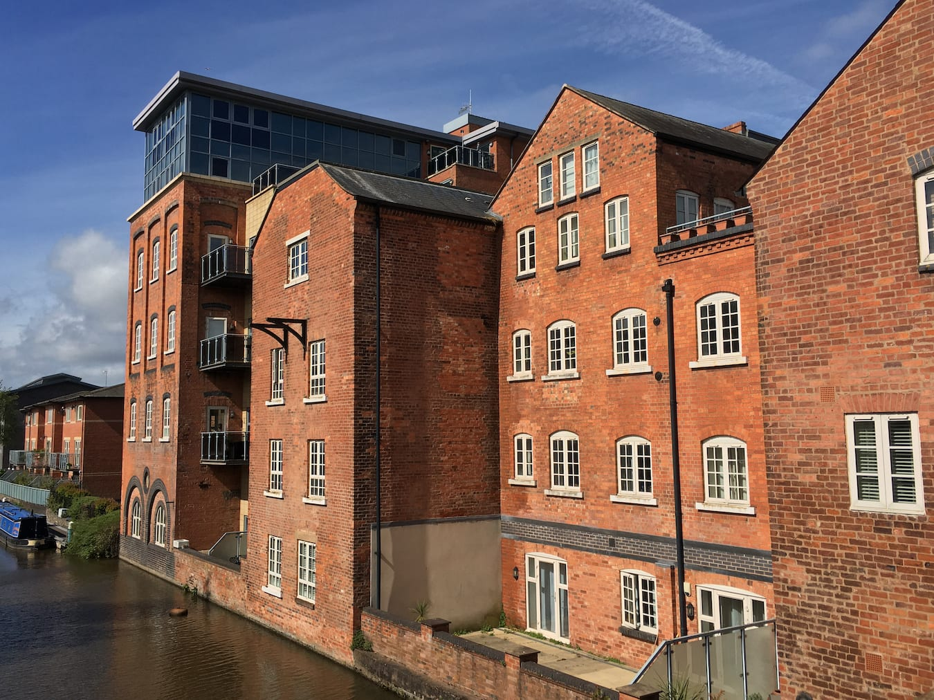 Albion Flour Mill overlooking the Worcester and Birmingham Canal
